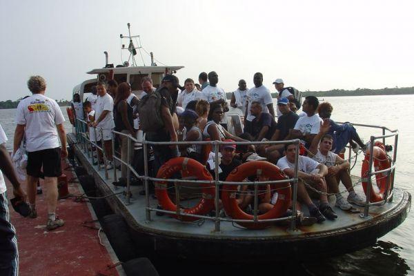 retour-bateauF537459C-CFD8-33E6-6896-09C9E8D45910.jpg